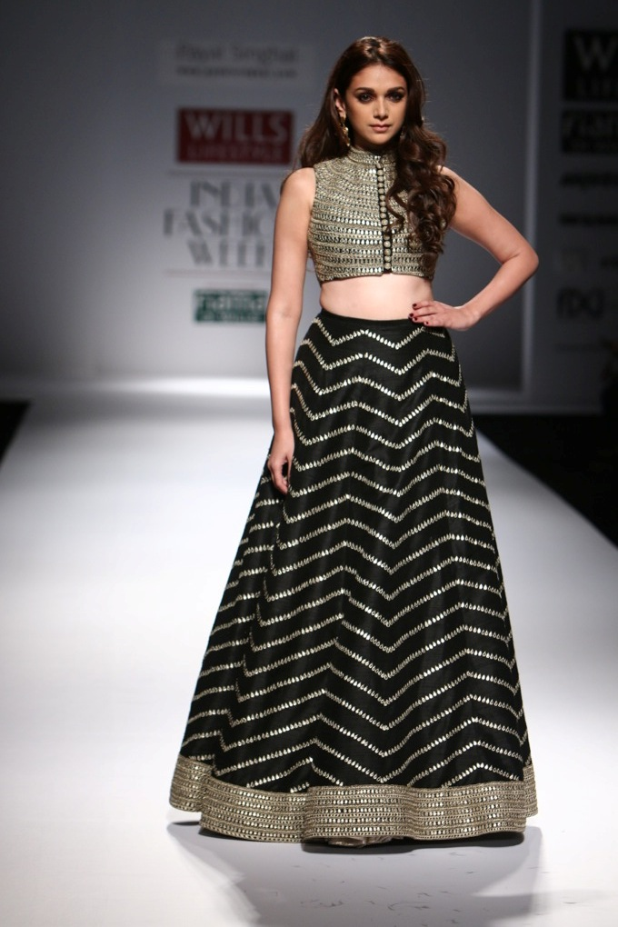 Aditi Rao Hydari walks for Payal Singhal at Wills India Fashion Week Spring/Summer 2014