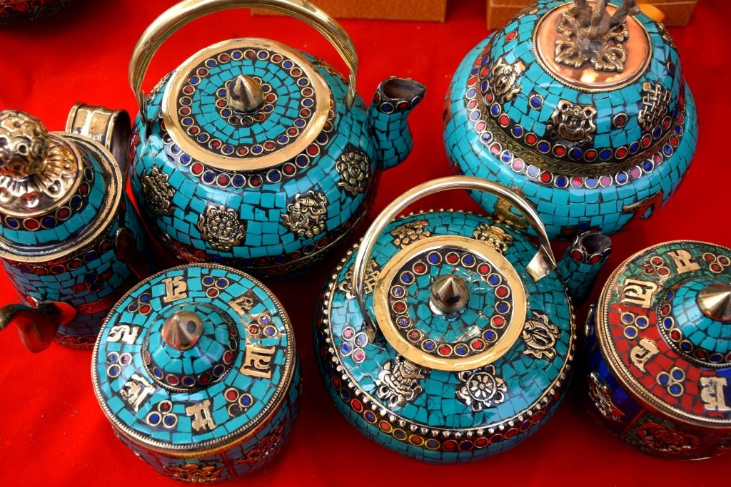 The varying colours of indian and tibetan arts crafts for Indian arts and crafts